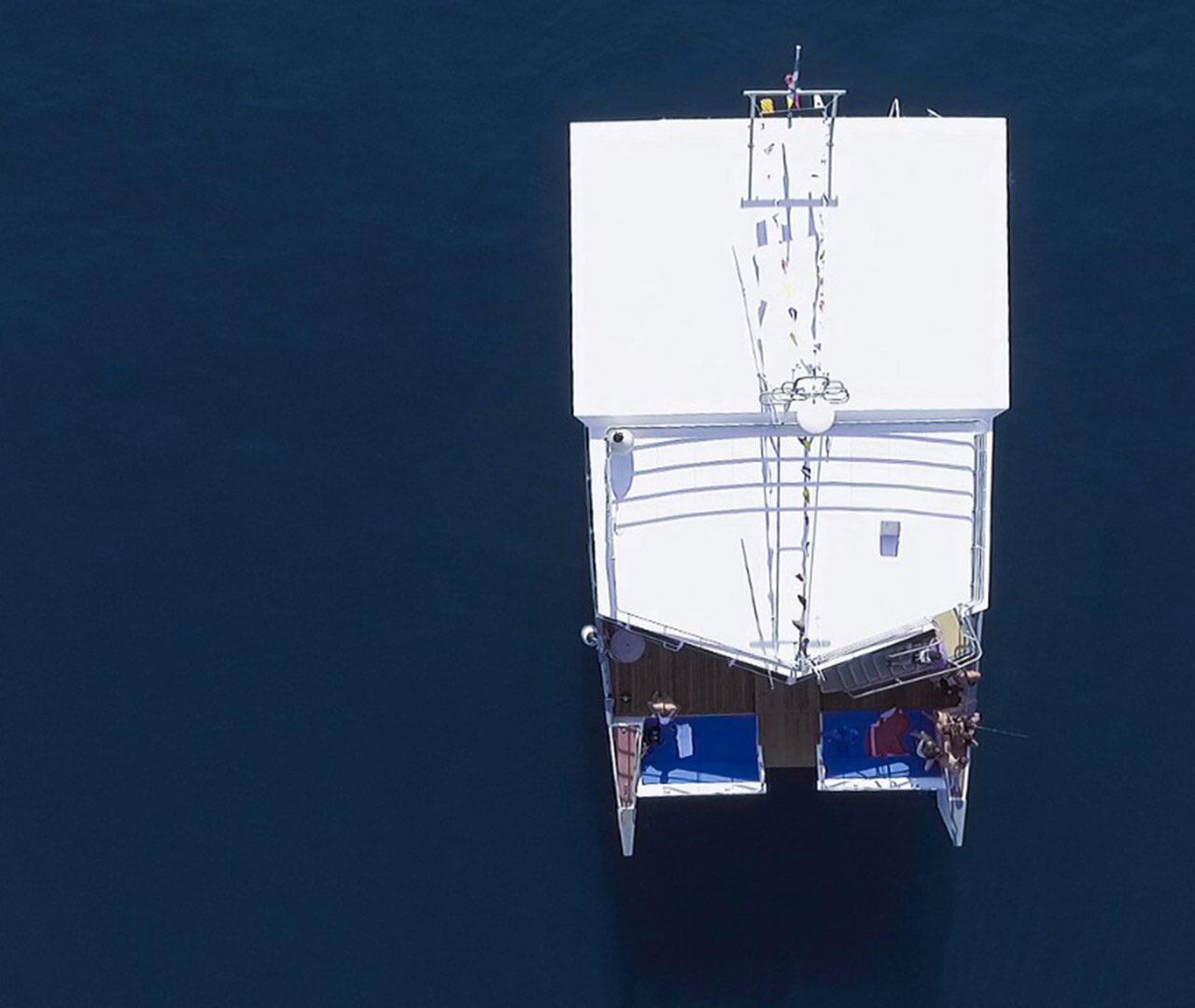 catamarano-raptus-seaward-noleggio-monopoli2