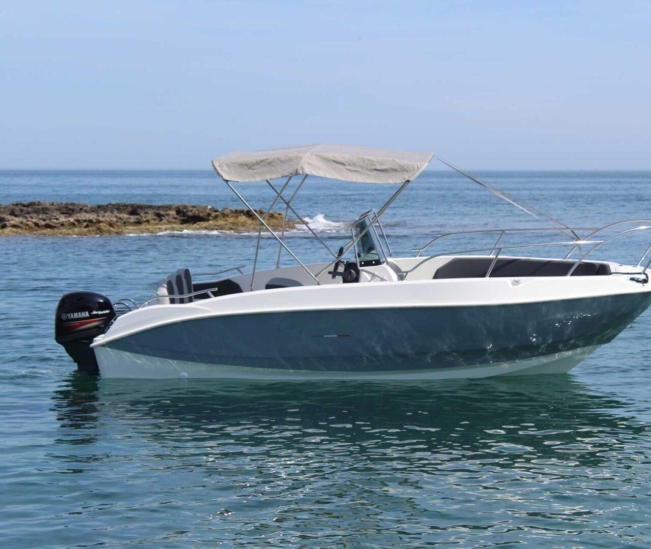 seaward-noleggio-barche-monopoli-luxury-line