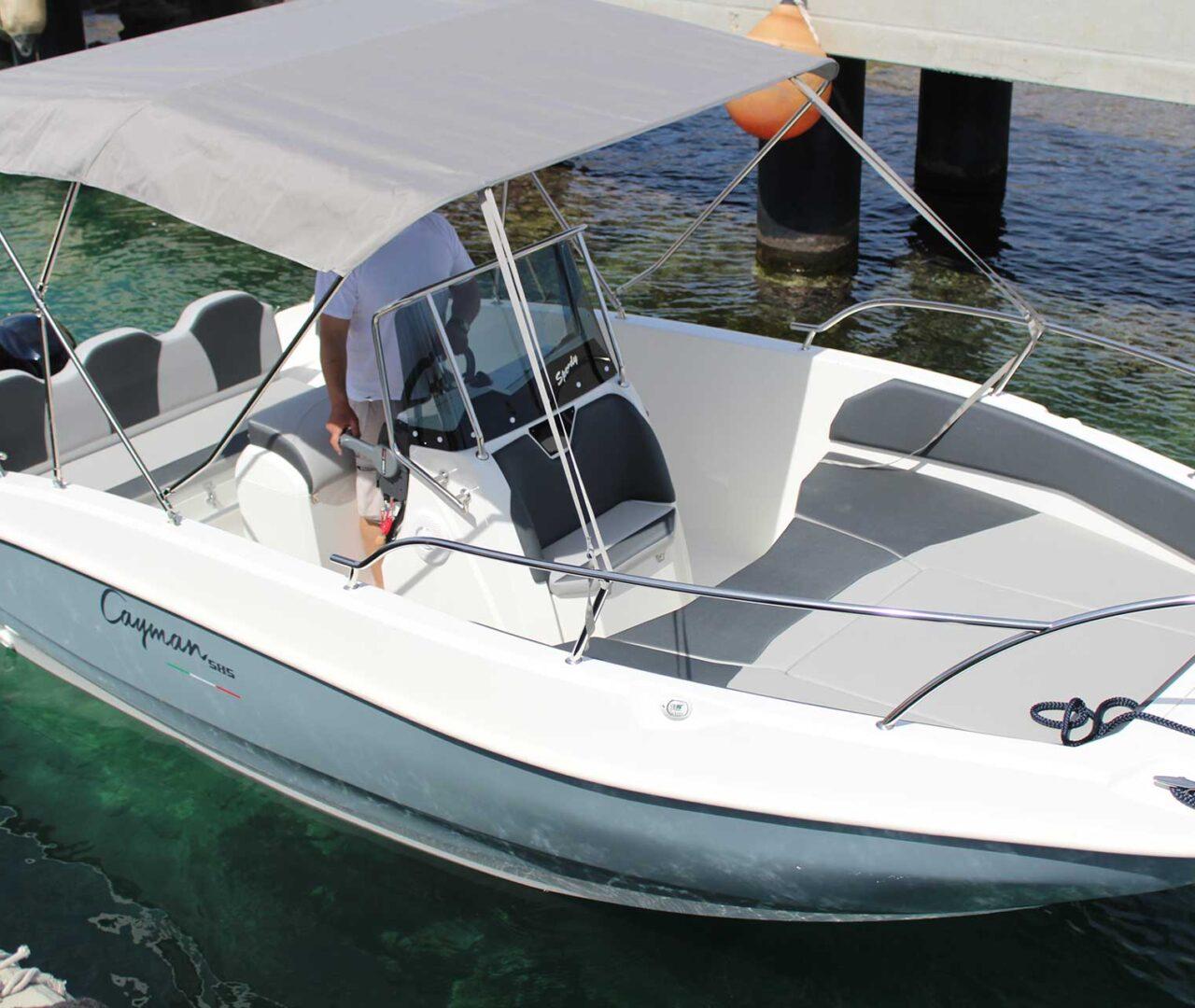 seaward-noleggio-barche-monopoli-luxury-line2
