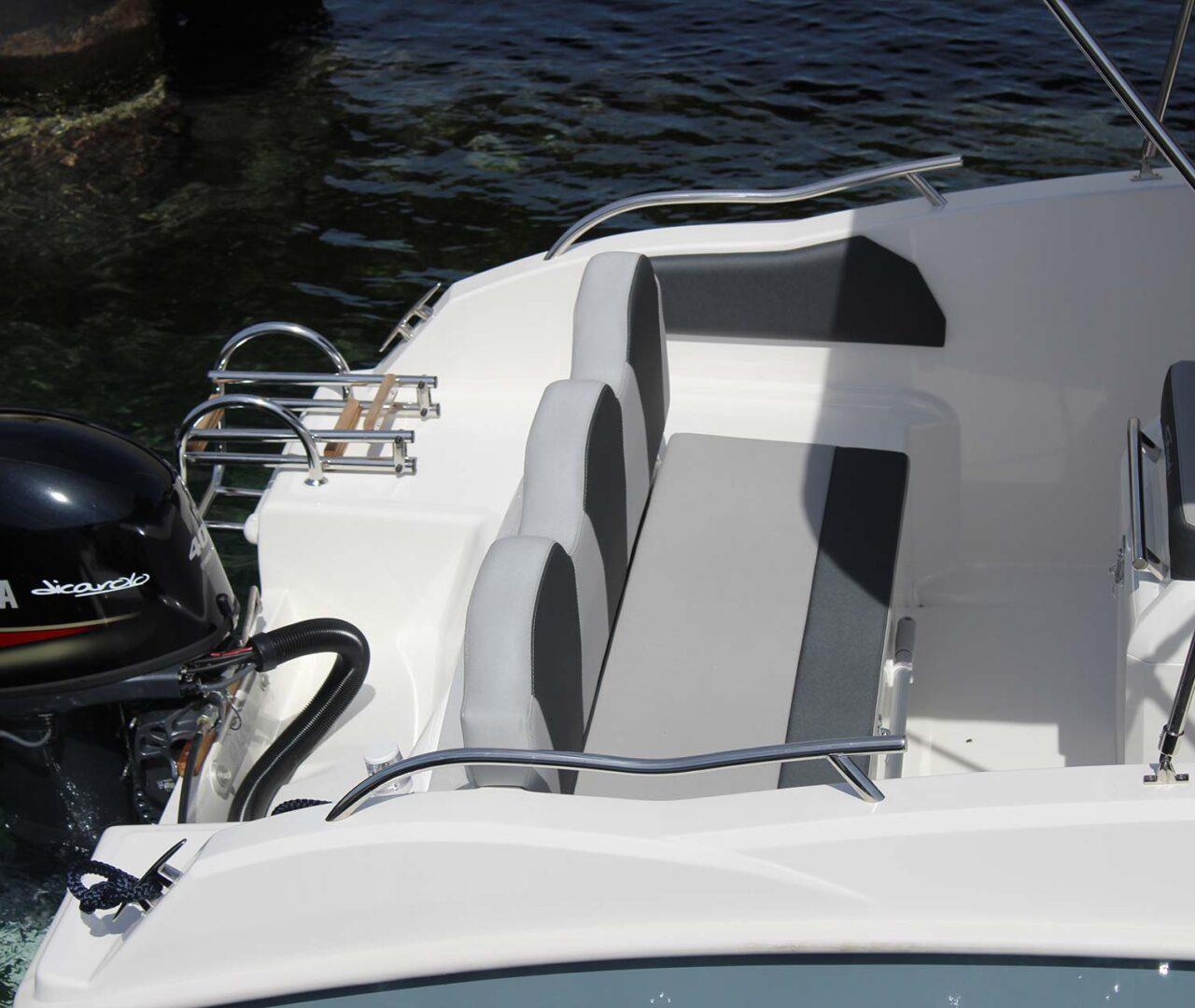 seaward-noleggio-barche-monopoli-luxury-line4