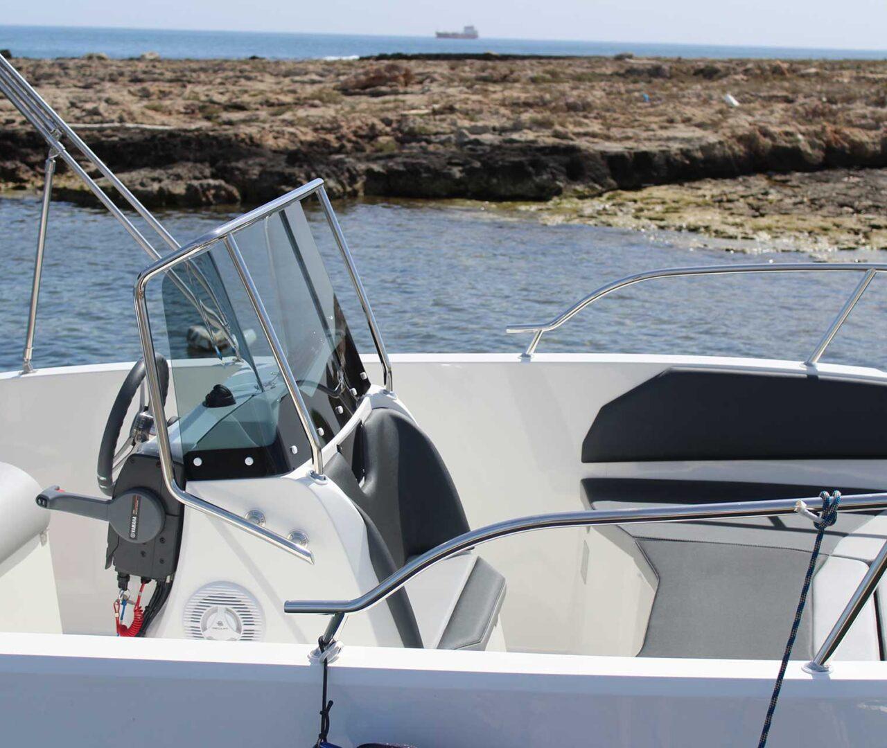 seaward-noleggio-barche-monopoli-luxury-line7