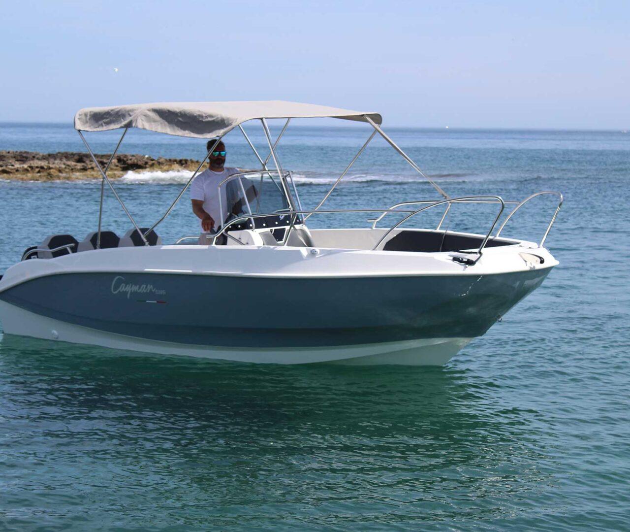 seaward-noleggio-barche-monopoli-luxury-line9